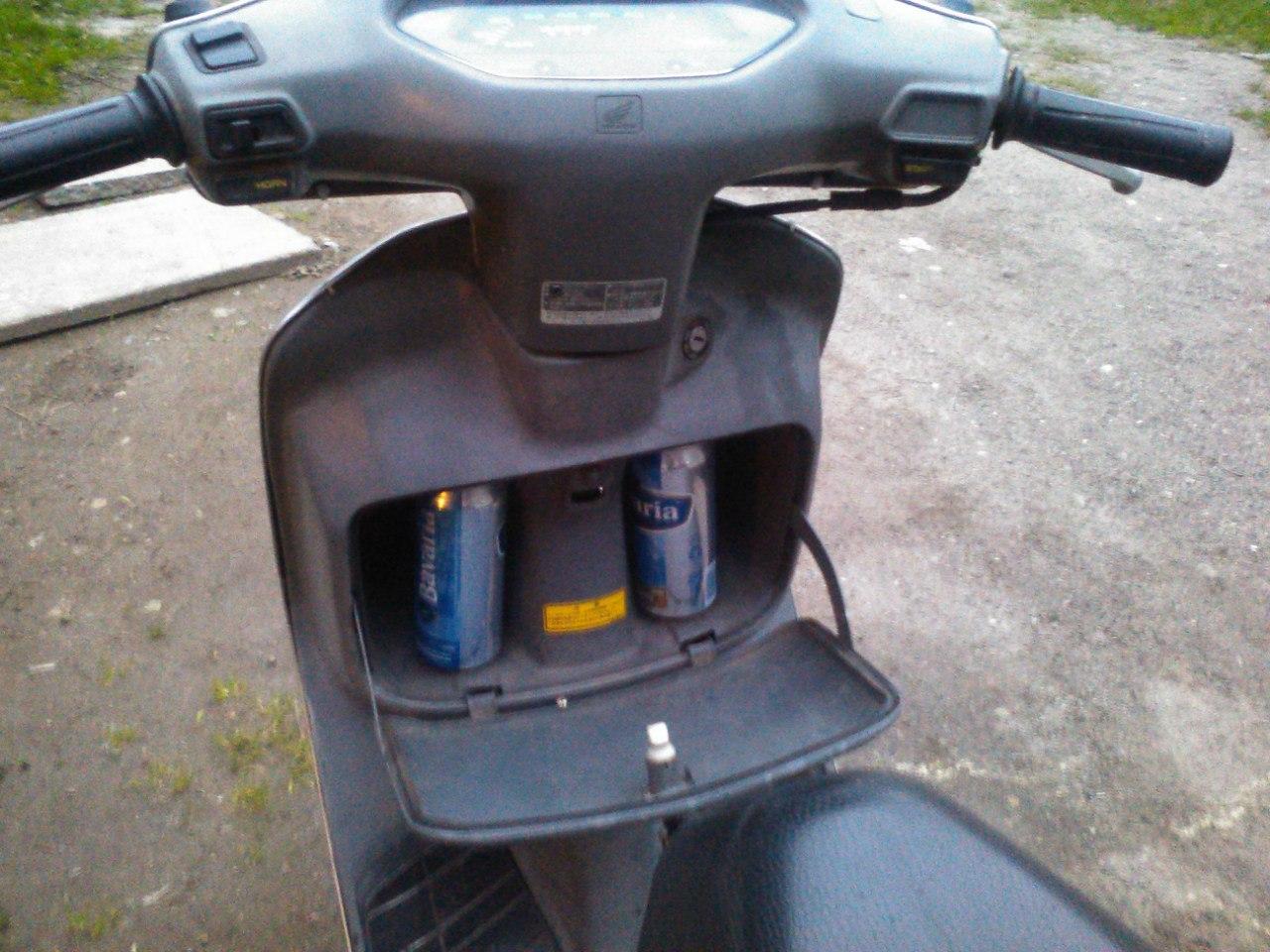Скутеры: Блог им. Mrak2: Honda Lead. Полчаса позора и ты на работе.