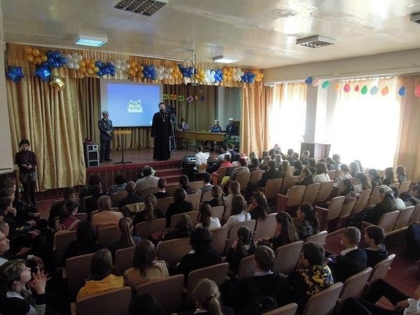 Школьникам станицы Зеленчукской рассказали об угрозах современного информационного пространства