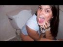 Полиция задержала девушку, которая слишком долго сидела в туалете