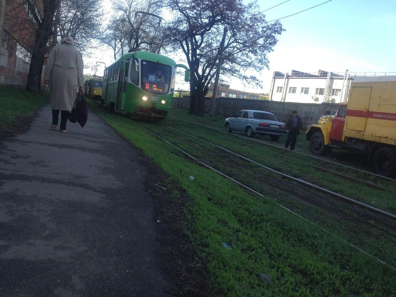 На Салтовке остановились трамваи (ФОТО)