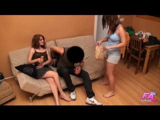 Эксгибиционистка порно