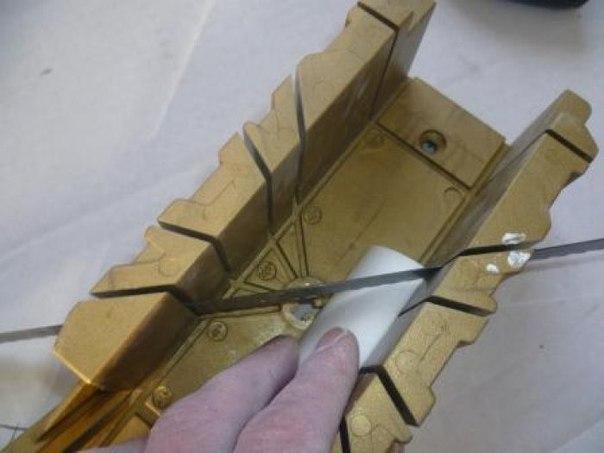 Как сделать стусло для потолочных плинтусов своими руками