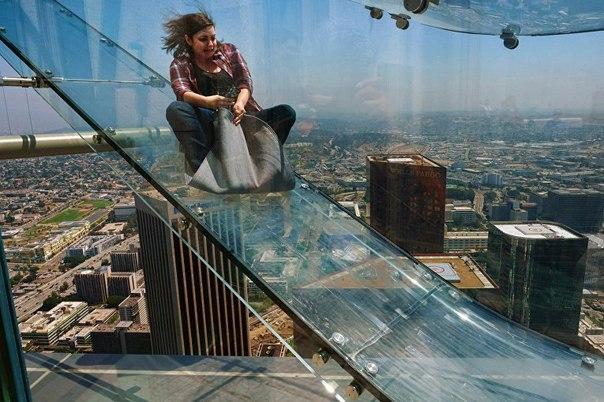 Թափանցիկ ատրակցիոն՝ 300 մետր բարձրության վրա (ֆոտոշարք)