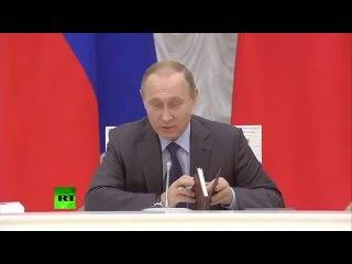 Владимир Путин подарил Мутко Англо русский словарь