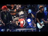 5 Seconds of Summer singing Jet Black Heart at Dallas KISS FM Jingle Ball 12/1/15