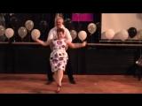 Стоило им начать танцевать, как зрители пришли в восторг. Вот это дедуля с бабулей отжигают!
