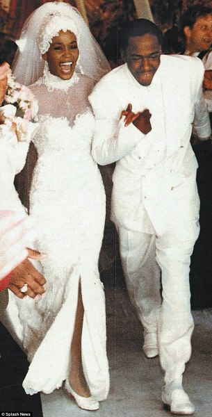 Подвенечное платье Whitney Houston уйдет с молотка
