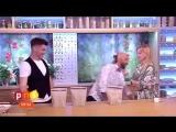 В Польше фокусник в прямом эфире проткнул руку телеведущей