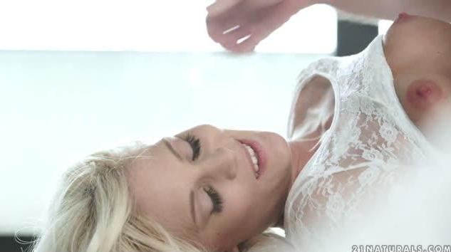 21Naturals – Candee Licious Of Pleasure And Sensuality