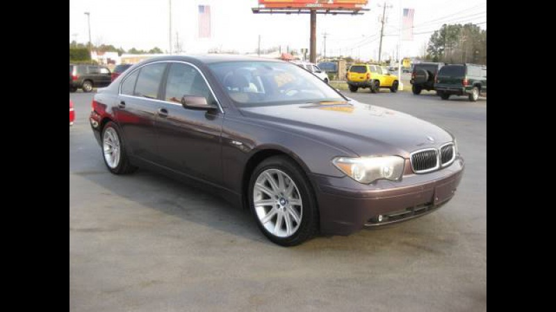 2003 BMW 745i Start Up, Engine, In Depth Tour, and Features Overview