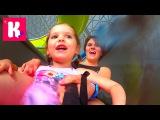 Мисс Кейти Германия День 7 - Самый большой в мире Аквапарк Катя съезжает с горок и плавает в бассейне с Мистером Максом VLOG MissKaty