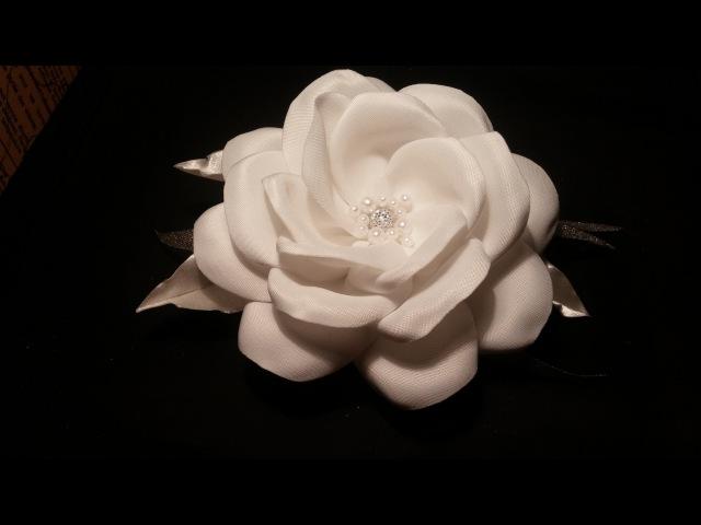 How to make a fabric flowers: satin rose/Мастер-класс: роза из атласа/handmade fabric flowers