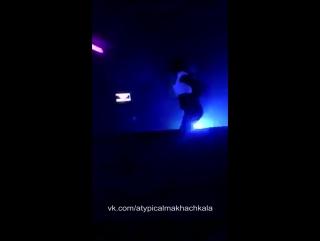 [Нетипичная Махачкала] В клубе Каспийске делают грязь