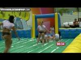 Бразильские девушки играют в футбол