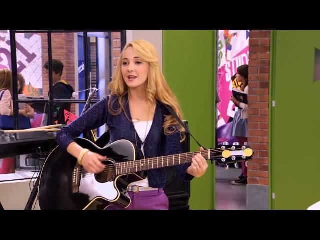 Violetta - Tomas i Ludmiła śpiewają Entre tu y yo. Odcinek 12. Oglądaj w Disney Channel!