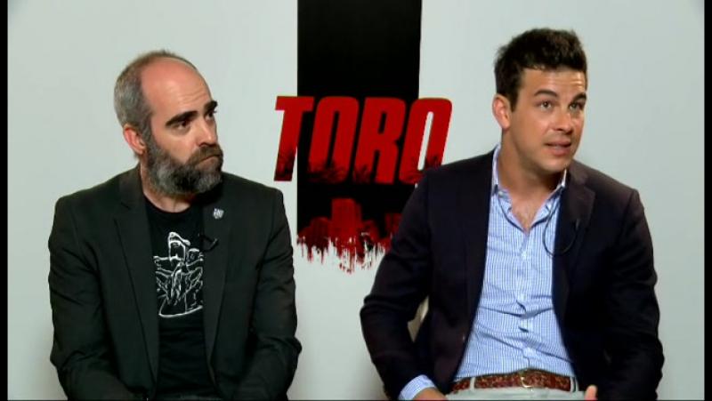 Mario Casas, Luis Tosar y José Sacristán, tres generaciones de actores muy distintos que protagonizan 'Toro'