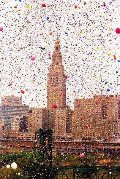 1,5 миллиона воздушных шаров в небе. Кливленд, США. 1986