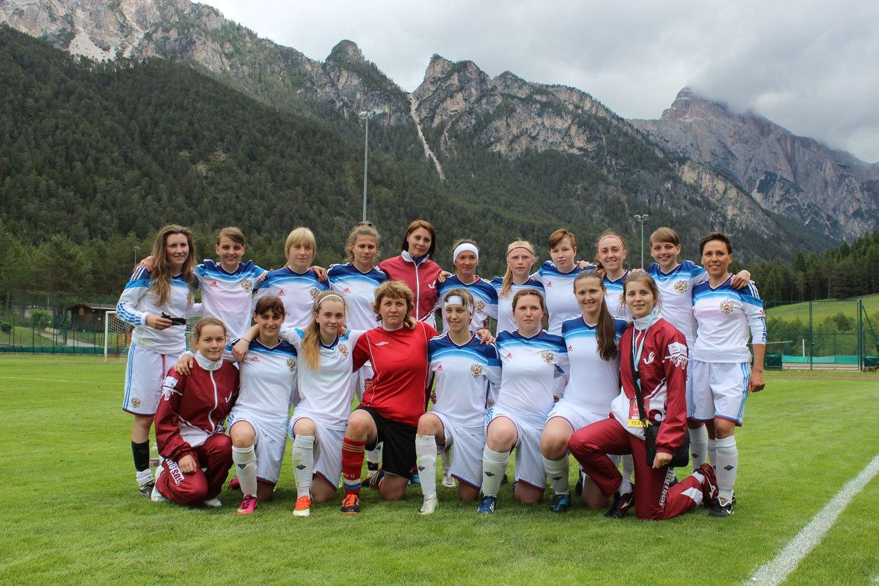 Женская сборная «RusDeutsch» проигрывает в полуфинале