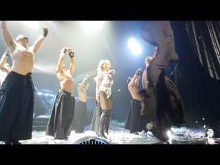 POM 22 JUN 2016 - Britney performs BOMT