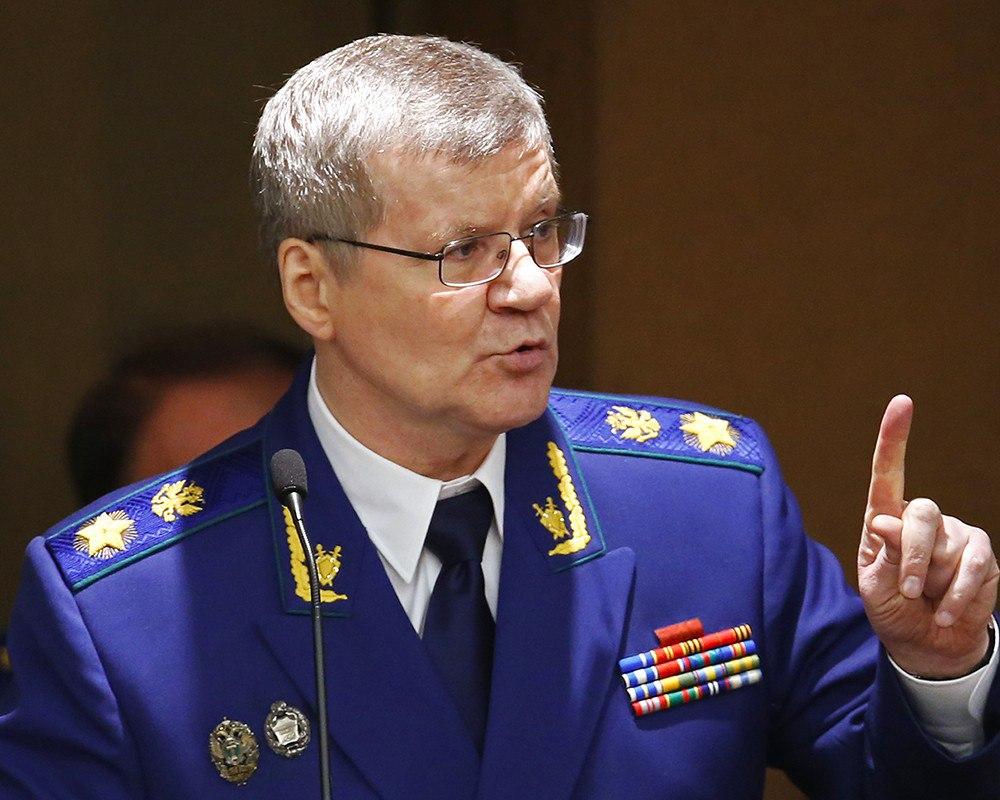Чайка раскритиковал прокуроров, выполняющих работу других надзорных органов