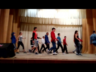 конкурс танцы среди отрядов