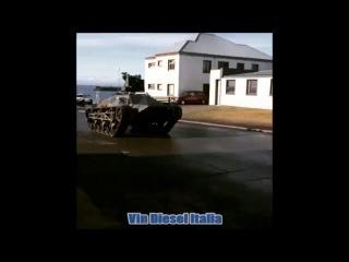 Instagram video by Vin Diesel Italia • Apr 15, 2016 at 10:43pm UTC