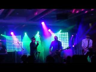 Странные игры - Телефона нет (Мумий Тролль Music Bar, Москва, 26.12.2015)