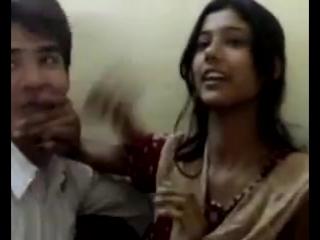 Pakistani MMS Scandal Hot Kissing Video
