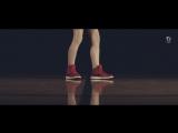 Девочка научилась танцевать по роликам на Youtube