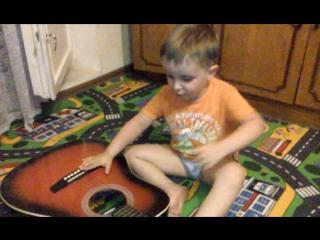 певец. Назарий- 3 года