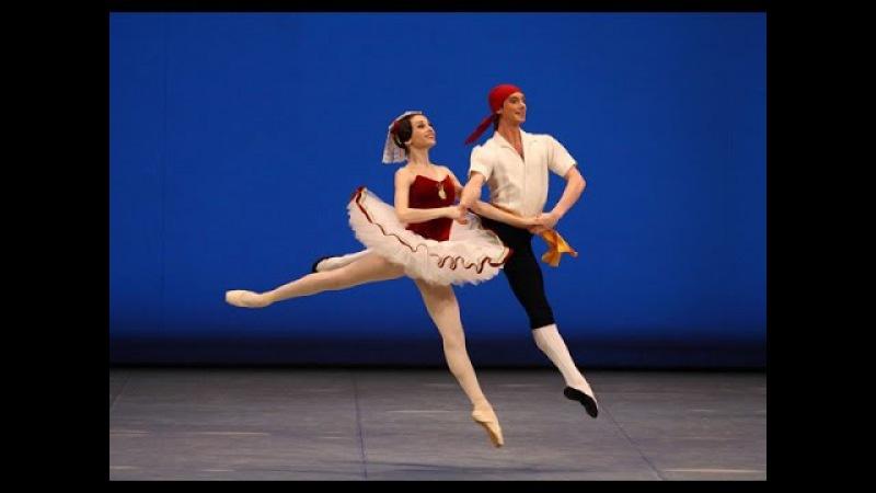 Что такое Фуэте. Как балерина не теряет равновесие