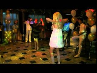 Девушки вышли танцевать на конкурс. Смотрите как классно зажигают девушки