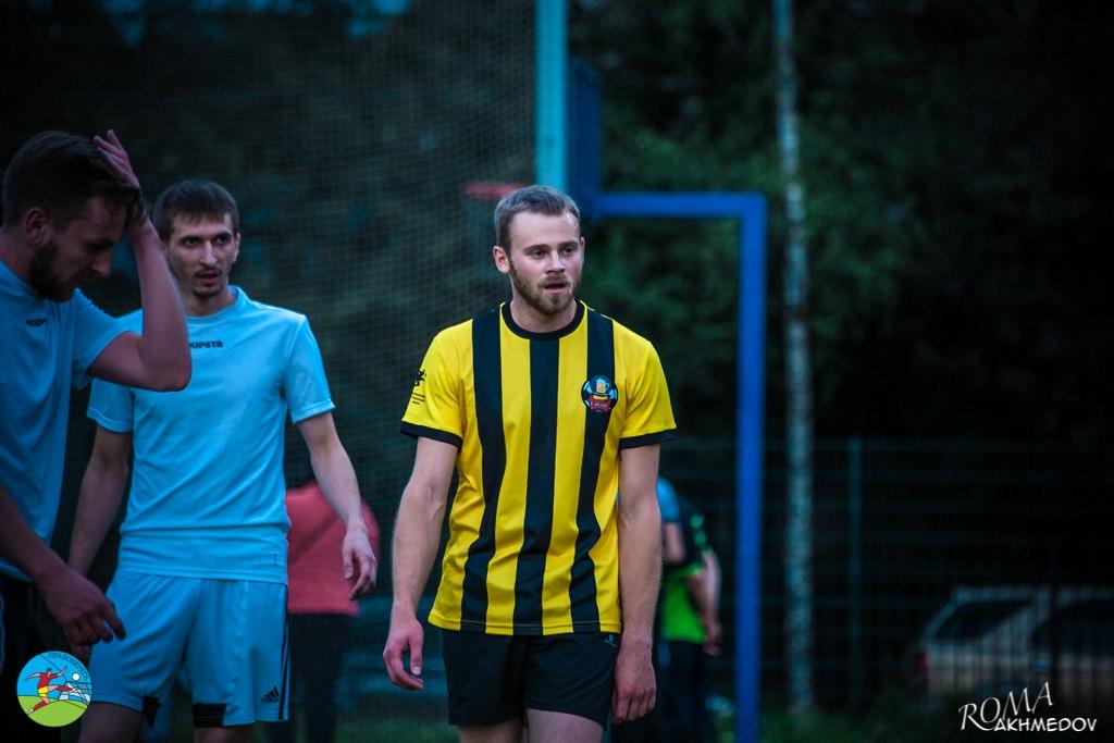 Константин Войтов во время встречи Баваро с ЛФК Дворяне (14-й тур), Первая лига 5х5.