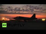 Сирия: Сухой самолеты поднимаются в воздух, как солнце садится за Латакия.