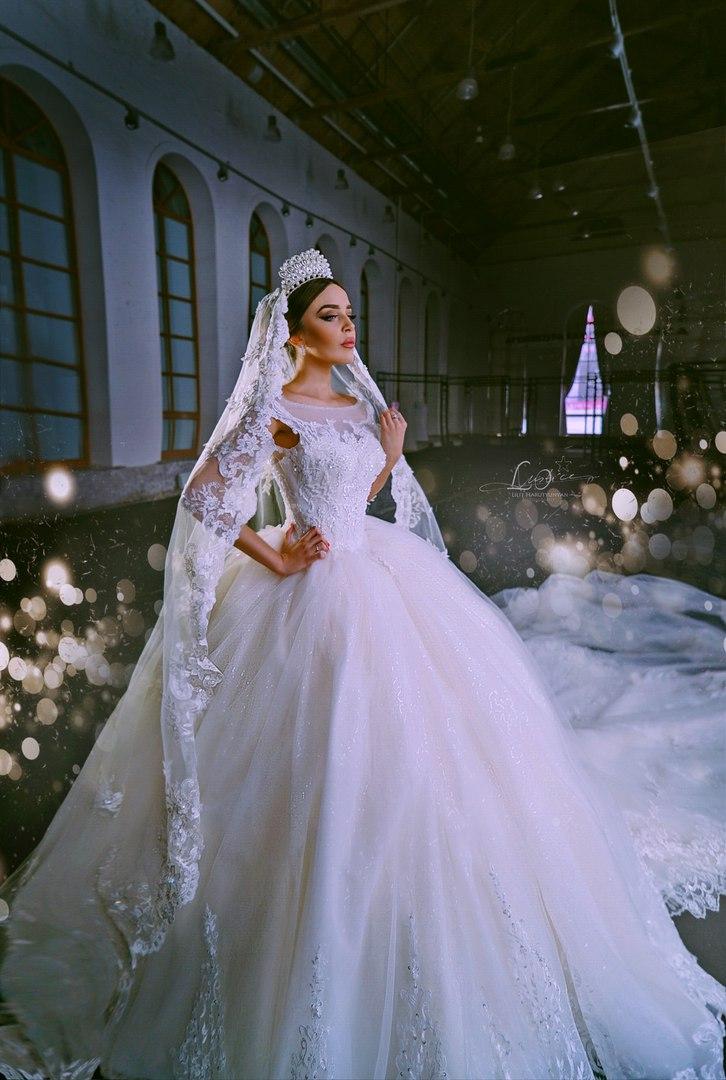 Свадебное королевское платье