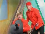 КВН Уральские пельмени - Танец с саблями