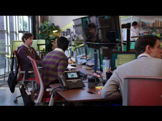 Silicon Valley S03E03 Dinesh Monitors