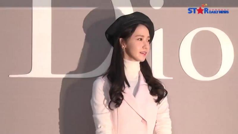 160714_[S영상]_Yoona,Shin_Sae_Kyeong,Kim_Hye_Soo,Kim_Tae_Ri,Choi_Ji_Woo,_여신들의_미모대결_(Dior).