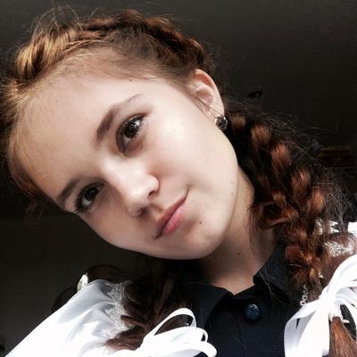 Элина Твердохлебова