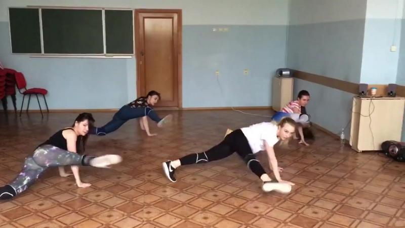 Горжусь вами! Мои студентки(Лиля,Саша,Кристина и Ангелина) MyDanceStudio. Тренер Кривовязая Оля.