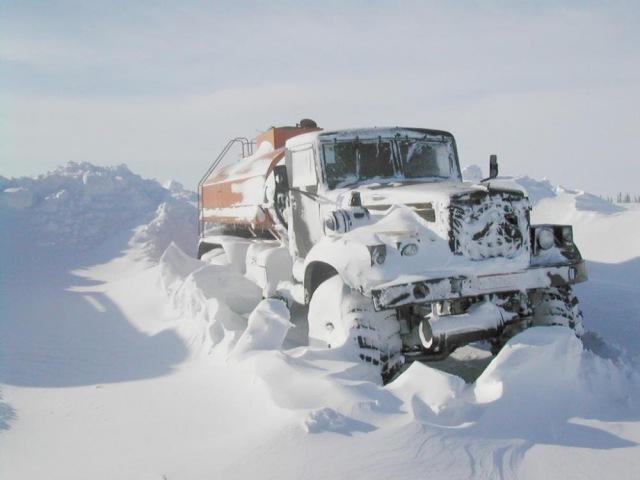 Дальнобойщики Севера. Дороги крайнего севера Зимник 2 THE ROAD NORTH OF RUSSIA 2