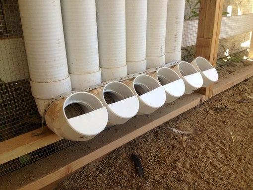 Кормушки для цыплят из пластиковых труб своими руками