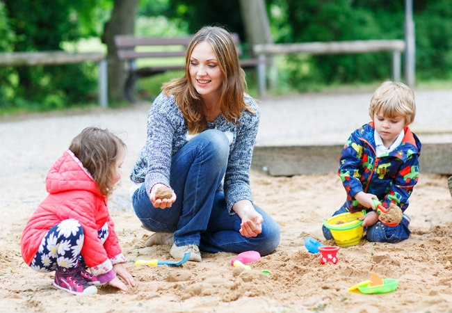 На Докукина установили ограждение детской площадки