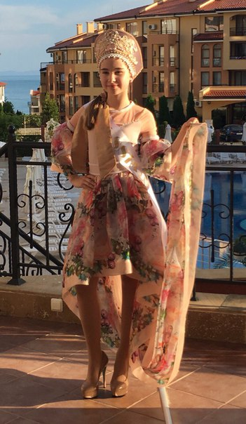 Alexandra Abrameytseva Qr7uGSZR7Ro