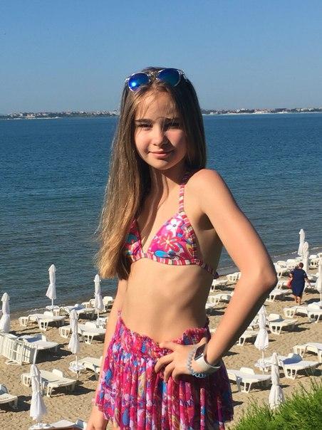 Alexandra Abrameytseva 6jHPQ5NkCUI