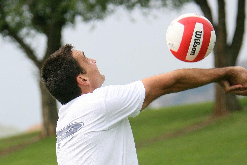 Старшее поколение сыграет в волейбол на Стартовой