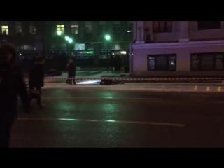 Видео с места убийства на Солянке. Убитым оказался бывший кандидат в депутаты парламента Дагестана Мухтар Меджидов.