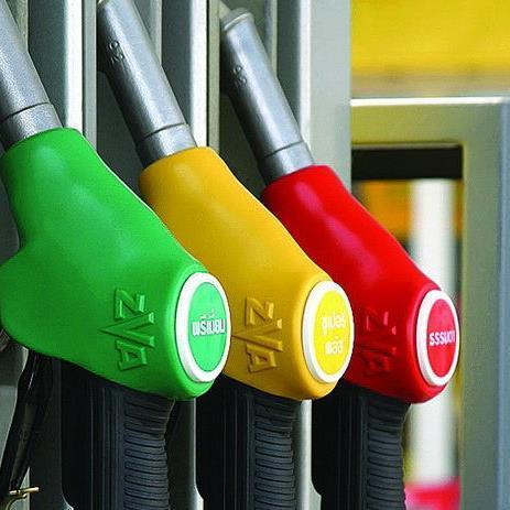 В Верховной Раде решили отложить введение важных инициатив, которые позволяют снизить долю контрафактного бензина на рынке. С такой инициативой выступил акционер одного из крупнейших украинских нефтетрейдеров – компании WOG