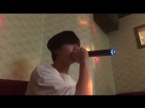 kook in a singing room (2)