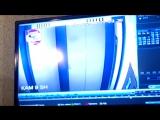 РОЗЫСК ПРЕСТУПНИКА! Друзья, посмотрите пожалуйста видео с нападением на женщину в лифте! Преступник вполне качественно засветилс
